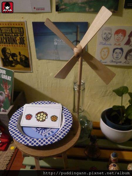 [食記]台北北車 荷蘭小鬆餅 圓圓圈圈療癒系特別甜點搭上草莓焦糖女孩最愛