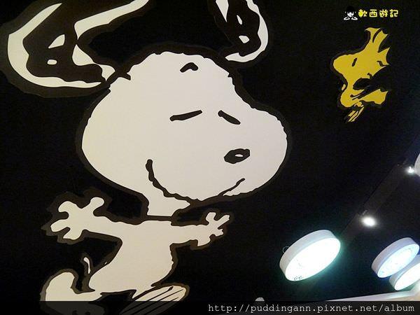 [食記]高雄左營 查理布朗咖啡CHARLIE BROWN CAFE TAIWAN 跟SNOOPY一起用餐~大方拍照太可愛了啦!!!