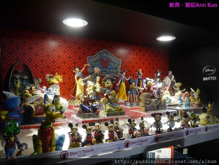 [展覽]台北松山文創園區 Disney迪士尼90周年特展 置身卡通世界不想回家了啦~~
