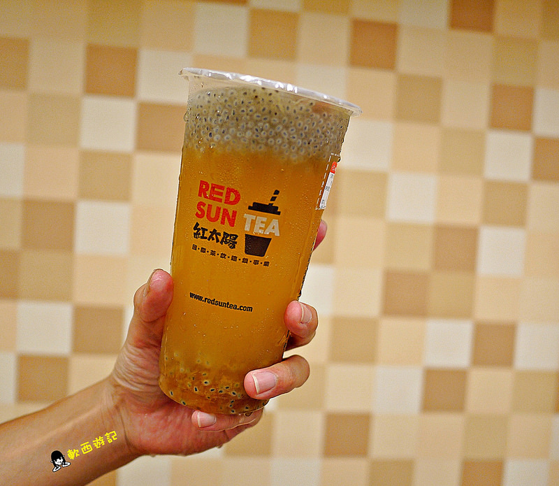 [食記]台北忠孝復興站 紅太陽國際茶飲連鎖事業RED SUN TEA(MR.SUN-海外)台北SOGO店 手搖飲料店推薦
