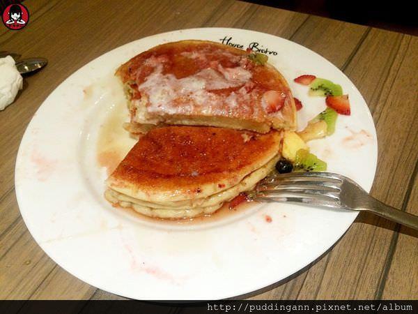 台北內湖西湖站 House Bistro 好適廚坊 令人驚艷好喝奶昔 三層疊疊水果鬆餅誠意滿載呀