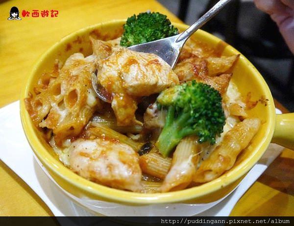 (已歇業)[食記]台北行天宮 入內珈琲 Zoono Café & Bistro 氣氛不限時WIFI有插座好咖啡廳好食堂
