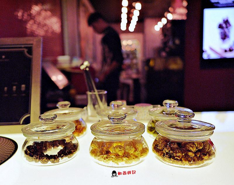 [食記]台北101/世貿站 Unicorn法式甜點爆米花 夏季新品期間限定爆米花冰淇淋! 漸層蝶豆花漂亮飲品