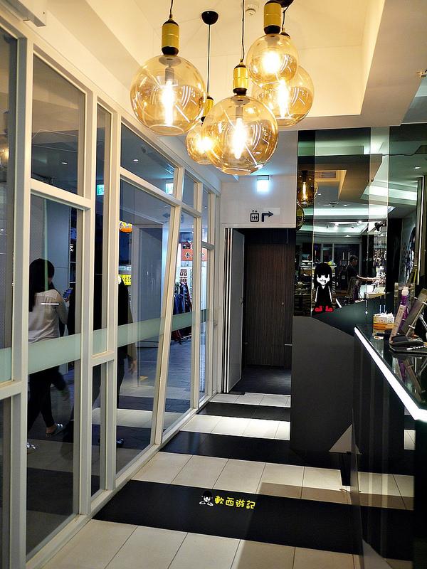 [食記]台北車站 鉑泊客咖啡 台北車站咖啡 比利時列日鬆餅 背包客旅館